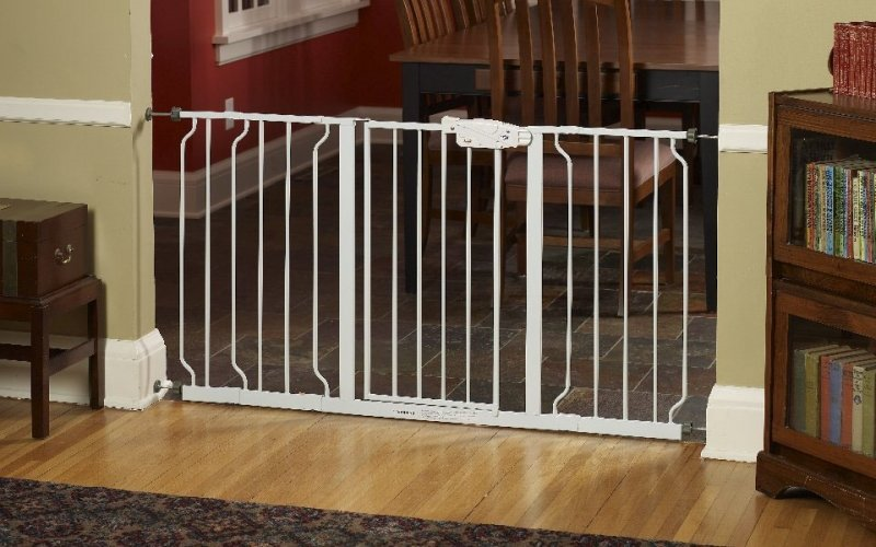 Regalo Extra Widespan Walk Through Safety Gate Review